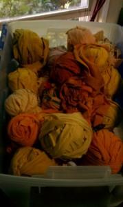 Storing rag rug fiber in vacuum bags